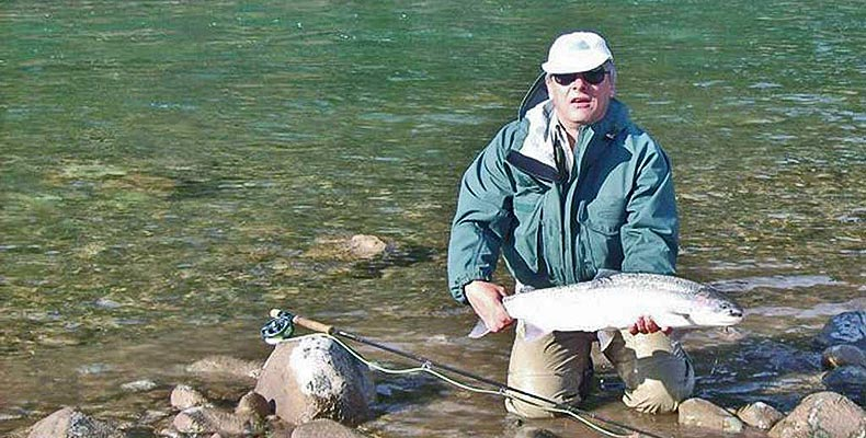 Here a nice steelhead while fly fishing