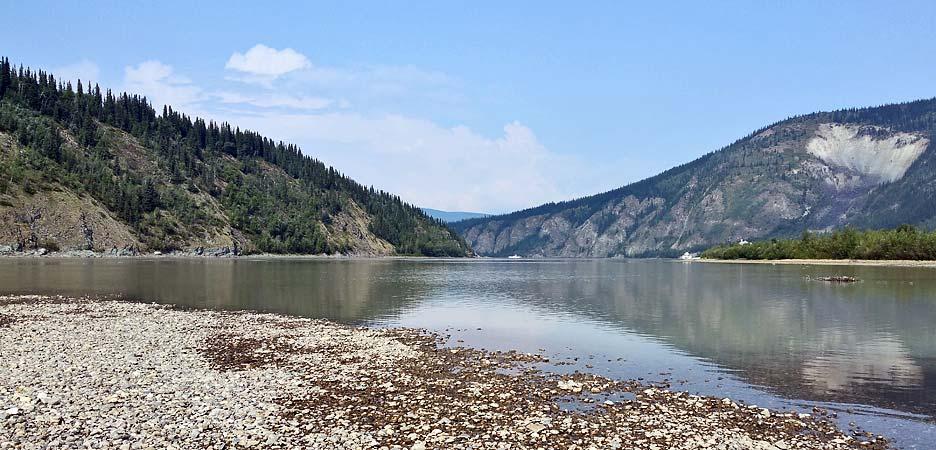 Hier bei Dawson City ist der Yukon schon ein sehr großer Fluss